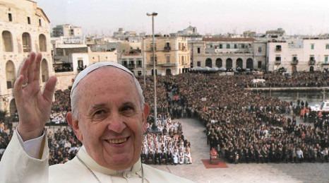 SALUTO  AL SANTO PADRE PAPA FRANCESCO DI S.E. REV.MA MONS. DOMENICO CORNACCHIA Vescovo di Molfetta